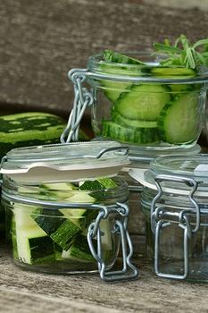 Zucchini einlegen – so gelingt es einfach und schnell