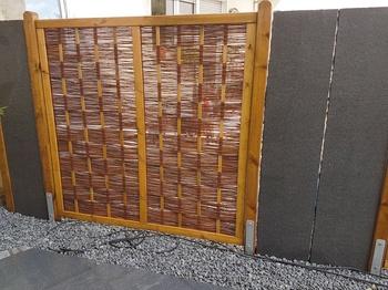 Naturstein-Sichtschutzplatten
