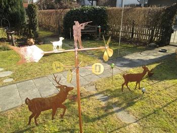 Windspiel Jäger mit Hund und Hirsch in Fahne