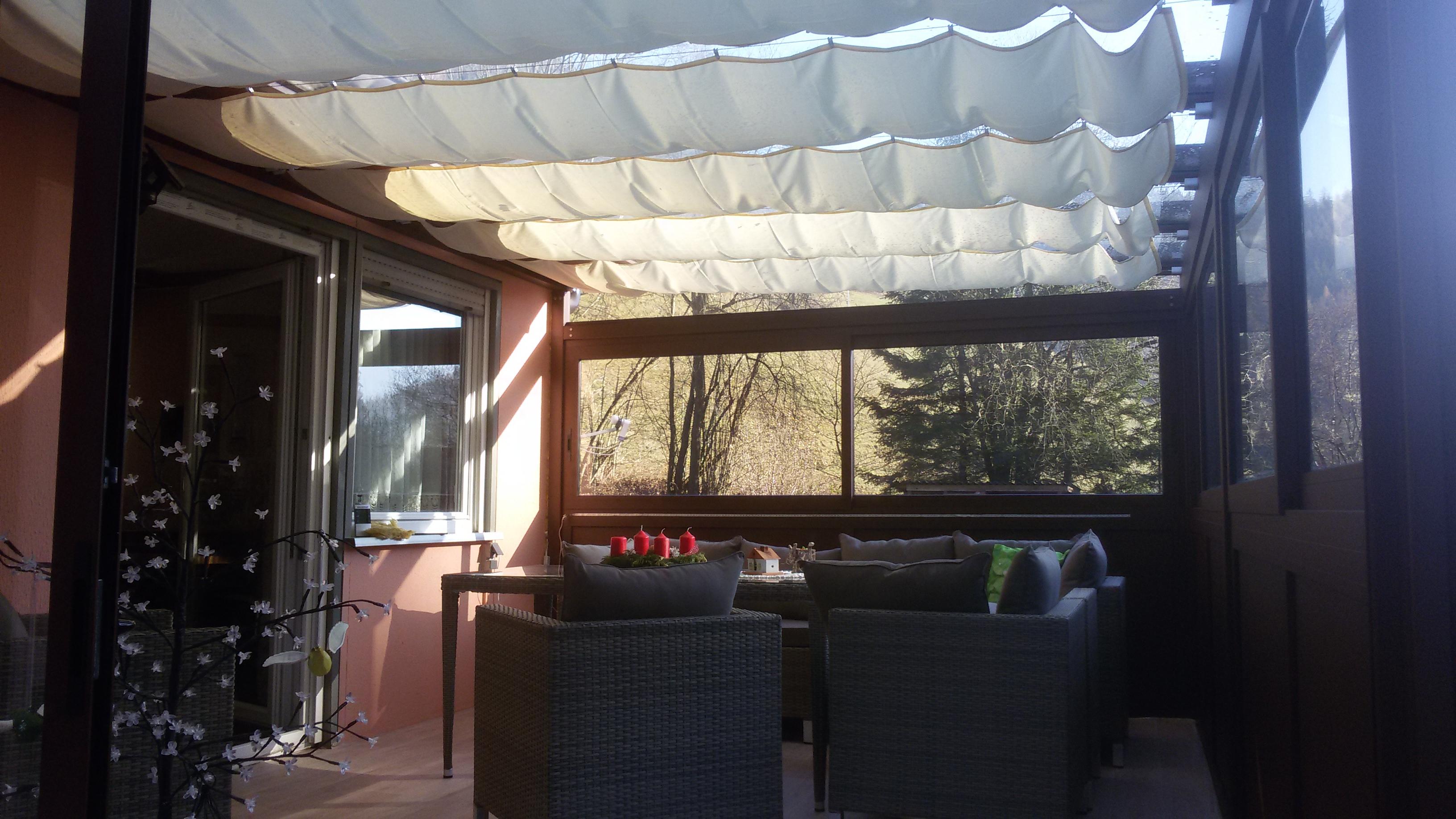 Seilspannsegel als Sonnenschutz im Wintergarten
