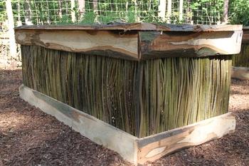 Hochbeete aus Robinie und Weide