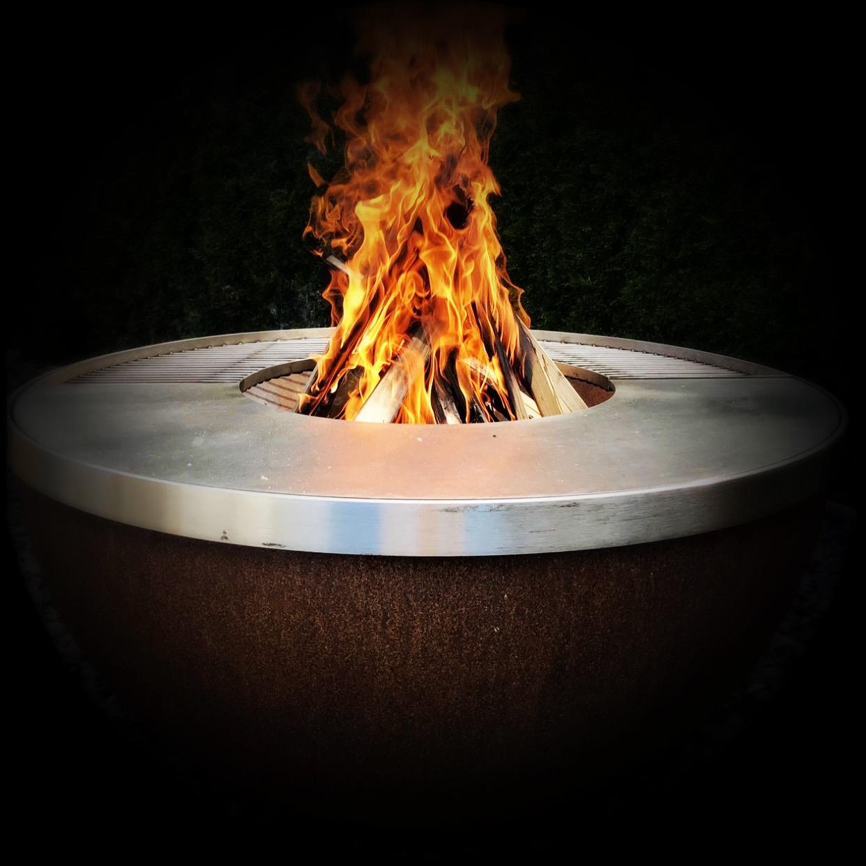 Freudengarten feuerkugel noun von stahl art rufer - Feuerkugel garten ...
