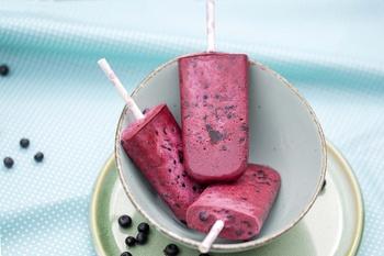 Heidelbeer-Joghurt Eis am Stil