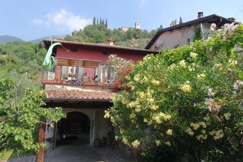 Wunderschöner Garten in Italien
