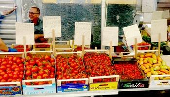 Saluti aus dem Land, in dem die Tomaten Eigennamen tragen