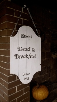 Halloween Deko basteln - Dead and Breakfast!