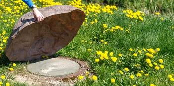 Kanaldeckel und Gartensteine: Ein unschlagbares Team